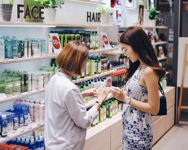 Stand a chance to win a shopping treat (worth $100) from Yves Rocher